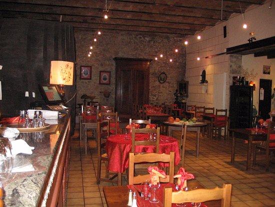 Auberge du Vigneron : la salle du restaurant