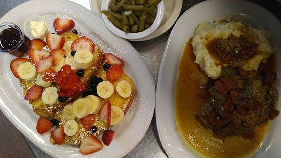 Lenexa, KS: Breakfast, Lunch & Dinner