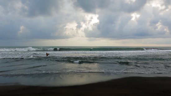 Playa Hermosa, Costa Rica: Your view from the Bar, Friday night surf contest.
