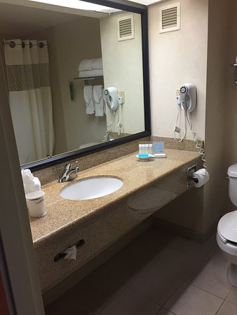 Hampton Inn San Francisco - Daly City: photo1.jpg