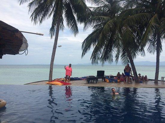 B52 Beach Resort: photo0.jpg