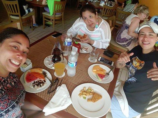 The Royal Islander: Breakfast buffet