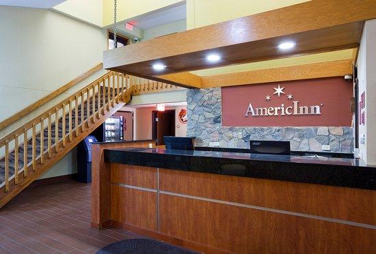 AmericInn Lodge & Suites Fargo West Acres: Front Desk