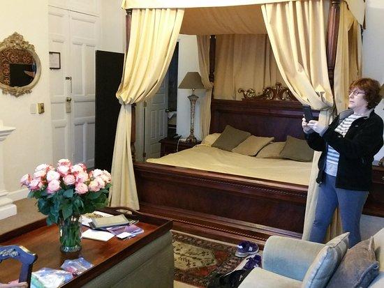 Boutique Hotel Mansion del Angel: guest room bed
