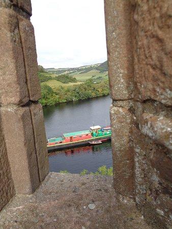 Drumnadrochit, UK: View to Loch Ness from Ruins