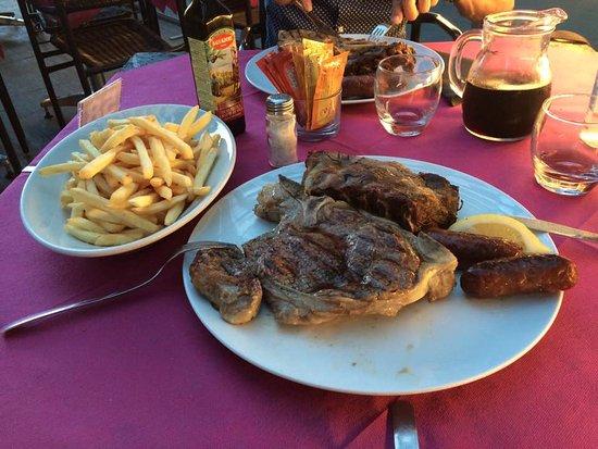 Formigine, Italy: La Grigliata de LA PLAZA