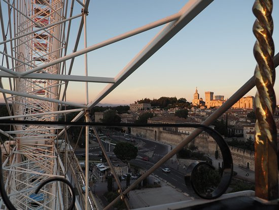 Ferris Wheel in Avignon : View of the Palais des Papes from the Ferris Wheel