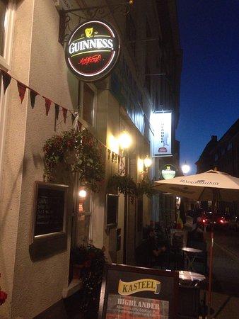 Antwerpen, België: Een plaats waar herinneringen tot leven komen. Fantastische sfeer , vriendelijke bediening !