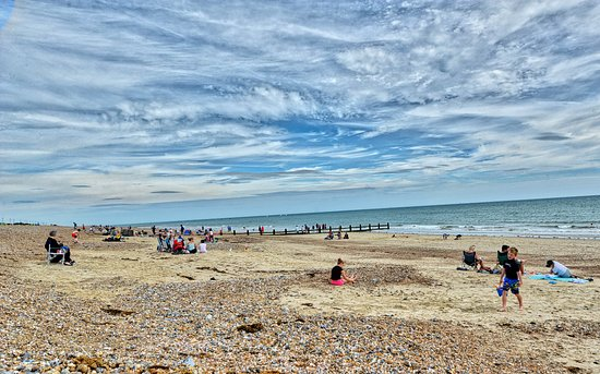 Littlehampton, UK: The Beach in front of the Cafe