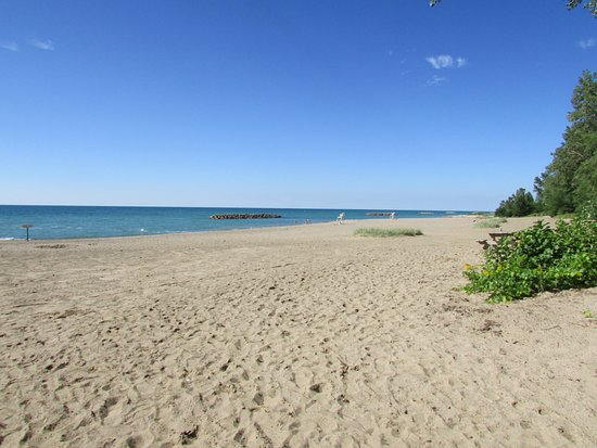 Virginia's Beach Campground: Beach at Presque Isle