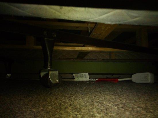 Hotel Stay Mont Royal : Bajo de la segunda cama