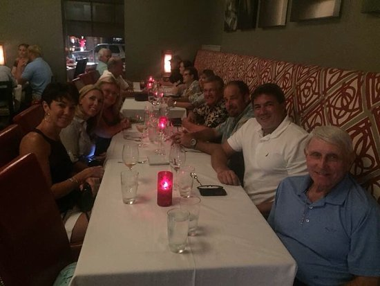 Breakwater Restaurant: Our party of 15 enjoying our dinner.