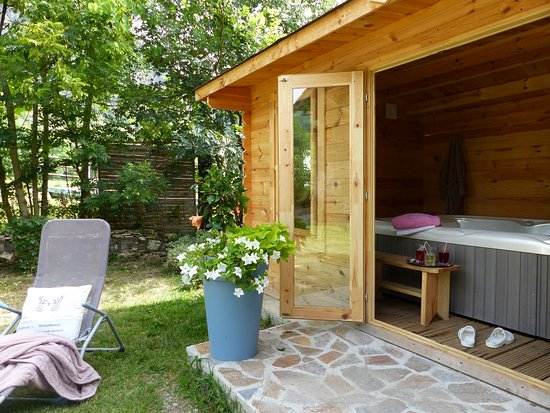 Surba, France: l'espace détente jacuzzi