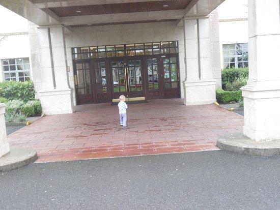 Trim, Irlanda: Front entrance of hotel