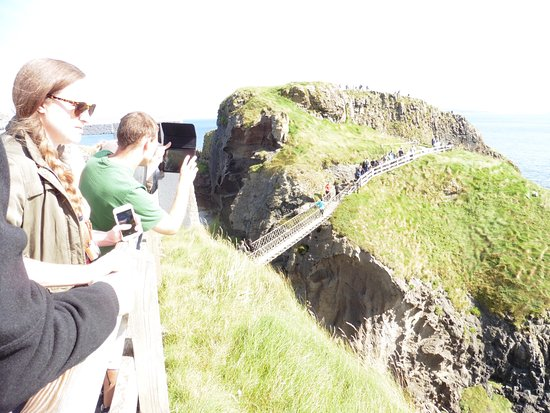 Ballintoy, UK: Carrick-A-Rede island via the rope bridge