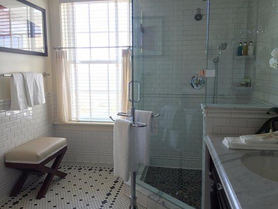 The Ocean House: Master bathroom
