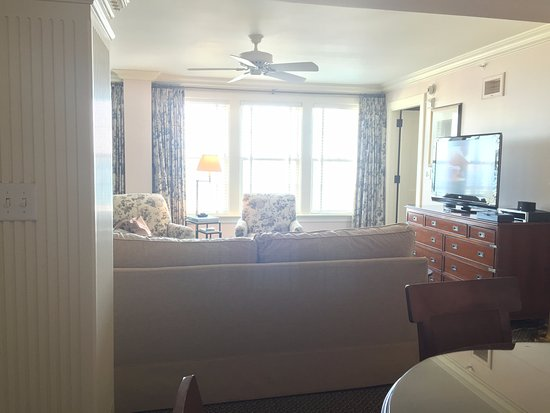 The Ocean House: Living/Dining Room of Oceanfront Suite