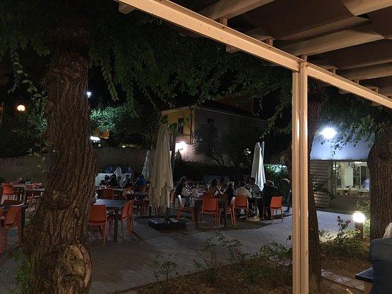 Monterado, İtalya: Goed gegeten en een prima service! Moesten even we men aan de kaart  maar onze biefstuk was zeer