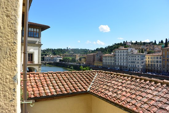Hotel Degli Orafi: View from room 3rd floor riverfront