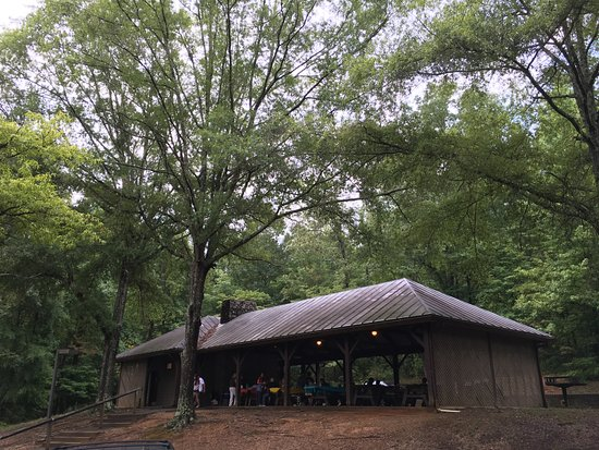 Red Clay State Historic Park: Well equipped structures provide comfort for small or larger groups of visitors.