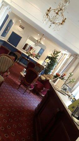 Bagneres-de-Luchon, Francia: Hotel d'Etigny