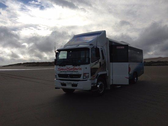 Kaitaia, Νέα Ζηλανδία: 90 Mile Beach - Sand Safari Bus