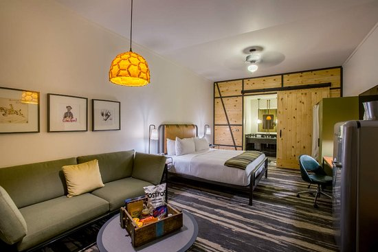 College Station, TX : A Guest room at Cavalry Court