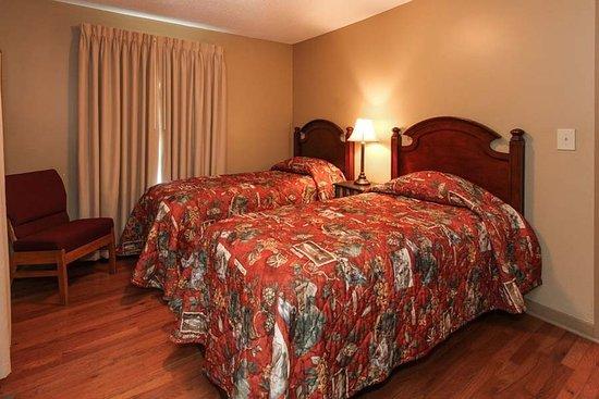 Fontana Village Resort: Hemlock 3 Bedroom Twins