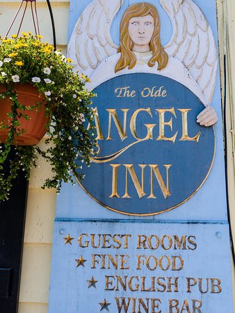 The Olde Angel Inn: Olde Angel Inn English Pub and rooms to rent!