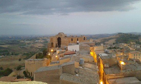Castello Naro: 20160824_195848_large.jpg