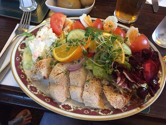 Gretna, UK: My Enormous Chicken salad!