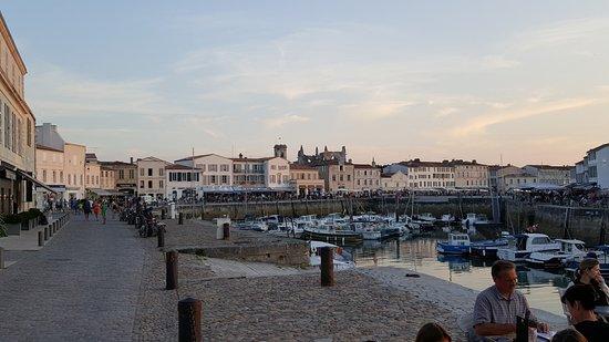 Hotel de Toiras: Hotel Toiras Quay side view