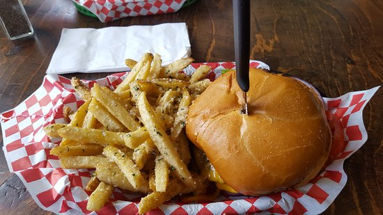 Gresham, OR: cheeseburger and Local Fries!!!