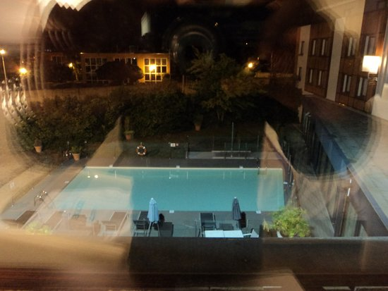 Blagnac, Frankrike: Pool View Room