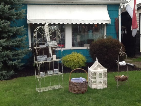 Bemus Point, NY: Storefront