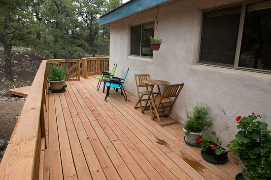 Crestone, Kolorado: Relax on the deck.