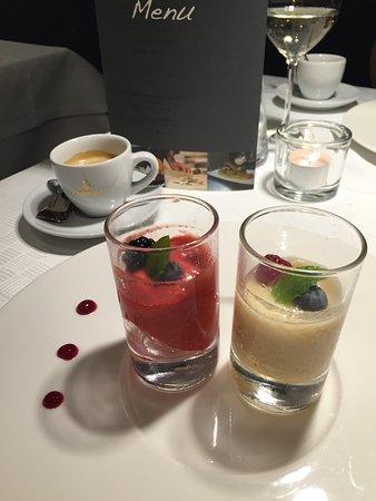 Wolfach, Γερμανία: Erstklassiges Essen mit ausgewählten Weinen geschmackvoll angerichtet...weiter so!