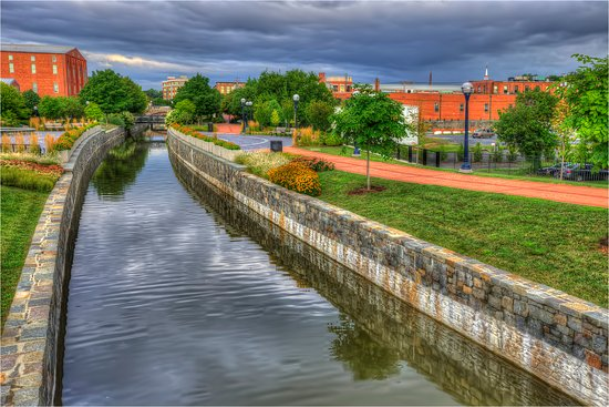 Frederick, MD: Canal in Carroll Creek Park