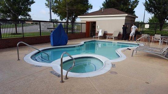 Katy, تكساس: Pool is adequate