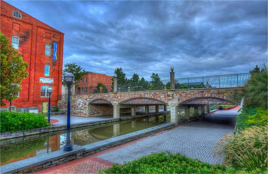 Frederick, MD: Community Bridge in Carroll Creek Park