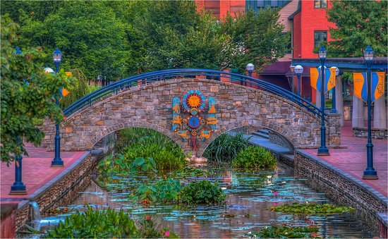 Frederick, MD: Stone Arch Bridge in Carroll Creek Park