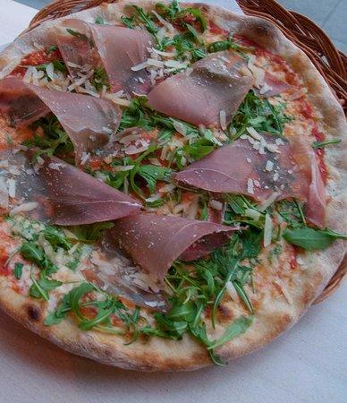 Rent Mel Bakeri & Pizzeria