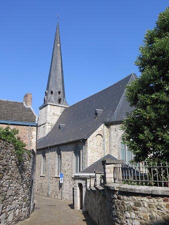 Huy, Belgia: Шпиль и хоры церкви
