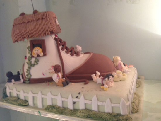 Rickmansworth, UK: Model shoe cake