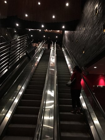 Форт-Ли, Нью-Джерси: Ipic Theater Hudson Lights