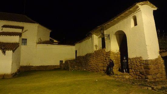 Chinchero! Observe a base da Igreja, são ruínas do templo Inca!