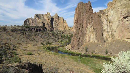 Smith Rock State Park: Take the lower trail for a wonderful nature experience, also watch the climbers on the rocks abo