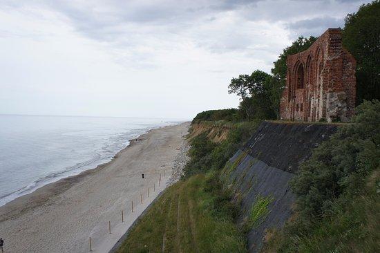 Trzesacz, Polen: church ruins