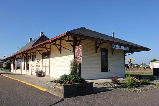 Ladysmith, WI: Rusk County Visitors Center & Rail Display
