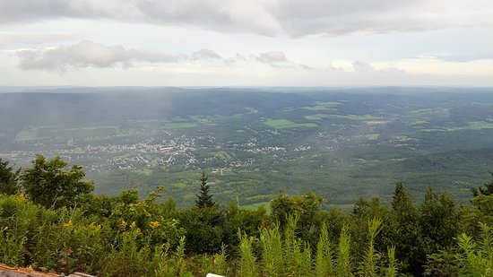 Беркширы, Массачусетс: from on top Mt. Greylock